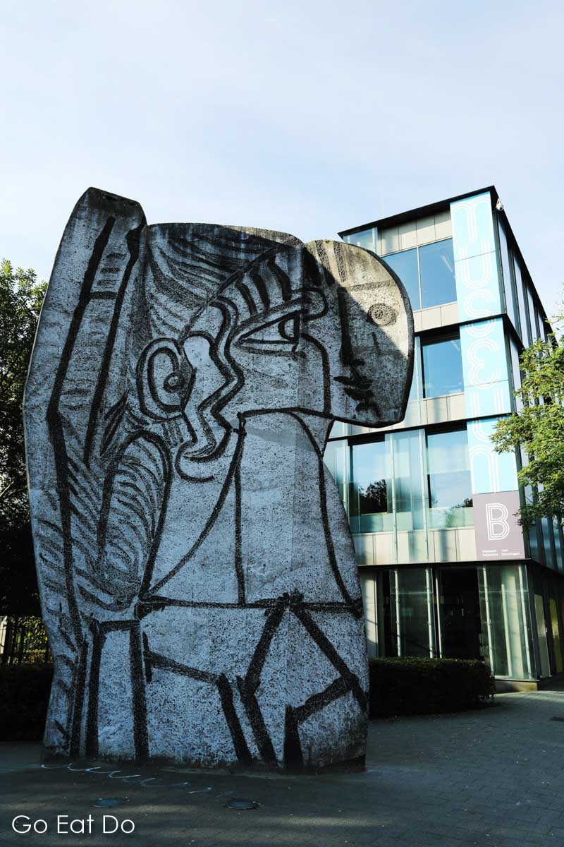Sylvette, a sculpture depicting an artwork by Pablo Picasso, in Rotterdam.
